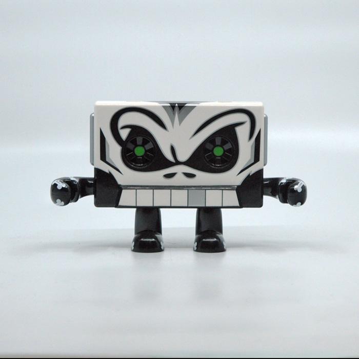 Skull Dolbee Designer Vinyl Art Toy